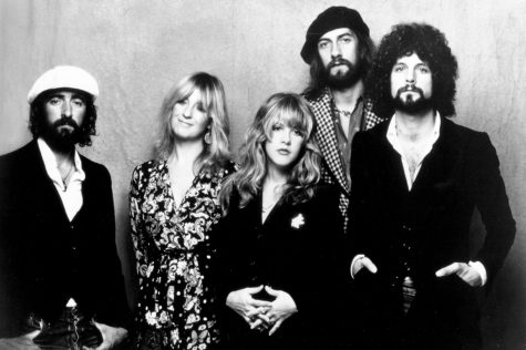 "Concert Review: Fleetwood Mac Has ""Still Got It"" (Like 'It' Ever Left)"